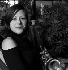 La demoiselle à la trompette animation musicale -058-