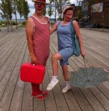 -076-   Le duo les baigneurs  animation déambulatoire