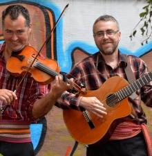 Duo ou trio de Musique Traditionnelle -117-