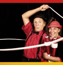 -044-  Spectacle Familiale  Super duo Circassien et Clownesque