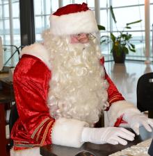 Père Noël Virtuel : Discuter avec lui en direct ou demander une vidéo préenregistrée. (201)